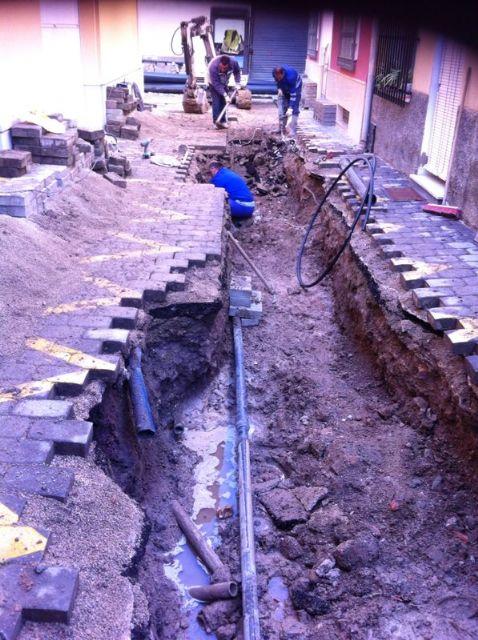 El Servicio Municipal de Aguas realiza varias obras de mejora de las redes de saneamiento y abastecimiento de agua potable del municipio, Foto 2