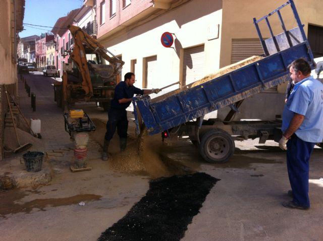 El Servicio Municipal de Aguas realiza varias obras de mejora de las redes de saneamiento y abastecimiento de agua potable del municipio, Foto 3