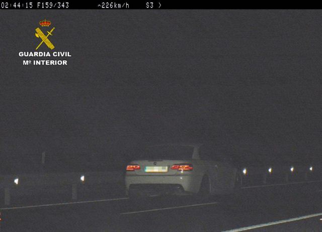 Una de las instantáneas tomadas al vehículo del ahora detenido, Foto 2