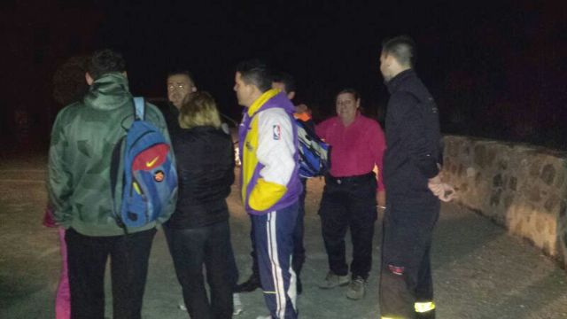 Civil protection and environmental agents rescue 4 members of a family were disoriented by fog at night Espuña, Foto 2