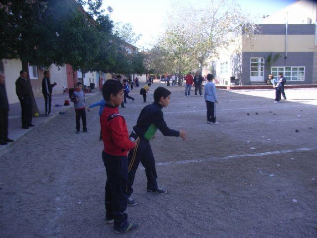 La fase local de petanca de Deporte Escolar congregó a 81 escolares de los diferentes centros de enseñanza de la localidad