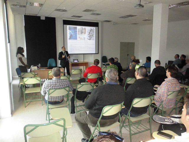 Curso para enseñar a la policía a proceder con vehículos extranjeros - 2, Foto 2