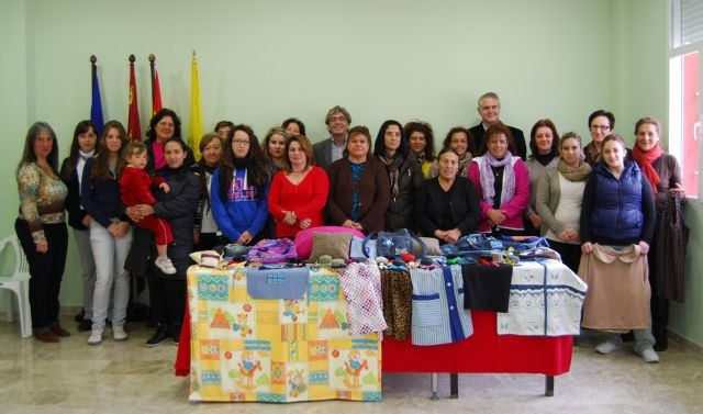 Más de una veintena de mujeres de Albudeite se forman en dos talleres de costura - 1, Foto 1