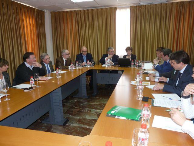 La vicepresidenta de Transferencia e Internacionalización del CSIC se reúne en Murcia con empresarios del sector agrario - 1, Foto 1