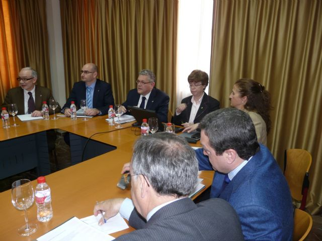 La vicepresidenta de Transferencia e Internacionalización del CSIC se reúne en Murcia con empresarios del sector agrario - 2, Foto 2