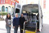 El ayuntamiento adquiere una nueva furgoneta adaptada para Servicios Sociales