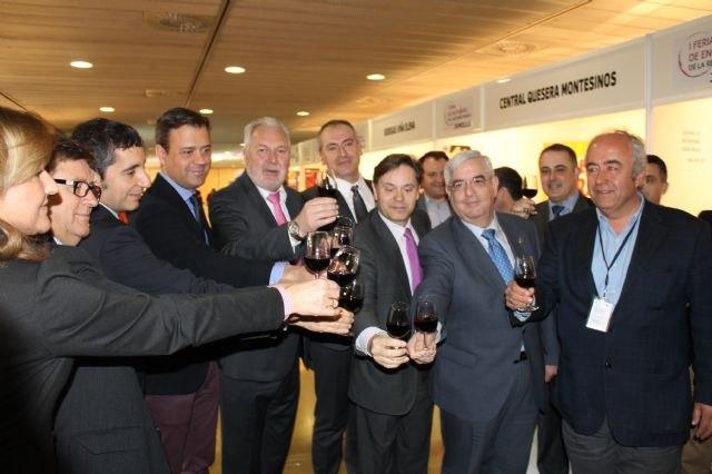 La I Feria de Enoturismo muestra la riqueza y variedad de los vinos regionales - 1, Foto 1