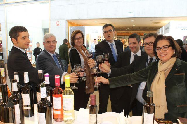 El alcalde inaugura junto con el consejero de Cultura y Turismo la I Feria de Enoturismo de la Región de Murcia - 4, Foto 4