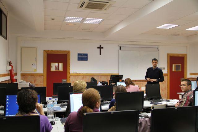 La UCAM ha acogido durante esta semana un curso de formación para profesores basado en el uso de nuevas herramientas - 1, Foto 1