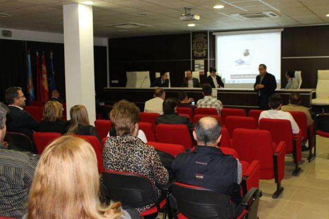 UPyD organizó una mesa redonda en San Javier para analizar la situación que viven los comerciantes del municipio - 2, Foto 2