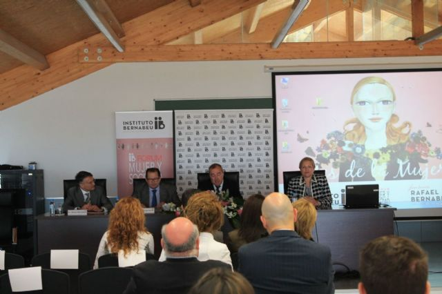 El forum Mujer y Sociedad abre sus puertas - 1, Foto 1
