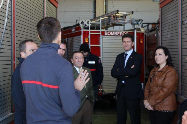 El gerente del Consorcio de Extinción de Incendios visita el Parque de Bomberos de Alhama-Totana y anuncia obras de remodelación y ampliación, Foto 1