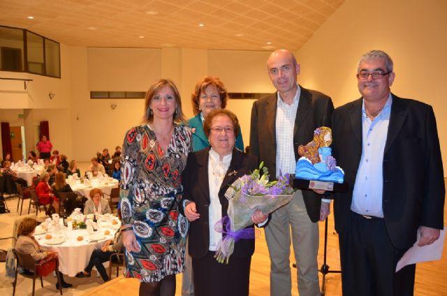 Dolores Villaescusa, de 91 años, recogió el Premio 8 M de manos del Alcalde - 1, Foto 1