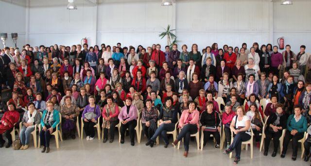 Más de 200 mujeres lumbrerenses participan en una jornada de convivencia en el Cabezo la Jara con motivo del 'Mes de la Mujer' - 1, Foto 1