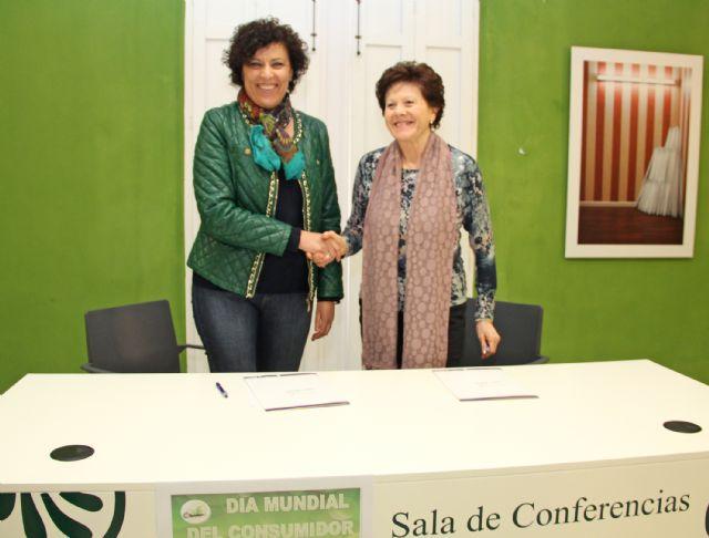 Convenio de colaboración para desarrollar nuevas políticas de protección al consumidor en Puerto Lumbreras - 2, Foto 2
