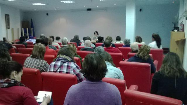 Interesante charla sobre ´incapacitación y tutela´ en el Centro de Día, Foto 3