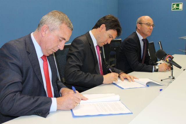 Industrialhama firma un convenio con Cajamar que ofrecerá a los empresarios del parque industrial créditos desde el 4,5% de interés, Foto 2