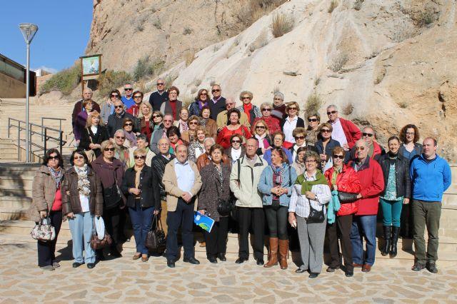 Más de cincuenta personas visitan la localidad atraídas por el Museo Arqueológico de Los Baños, Foto 2
