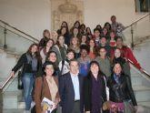 El alcalde recibe a un grupo de alumnos del Liceo Laura Bassi de la ciudad italiana de Bolonia
