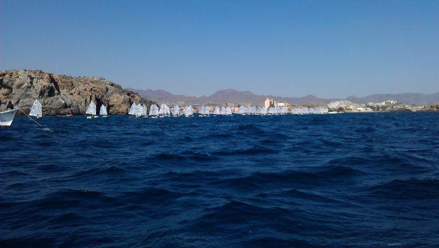 82 barcos de vela infantil surcan las aguas de la Bahía de Mazarrón, Foto 5