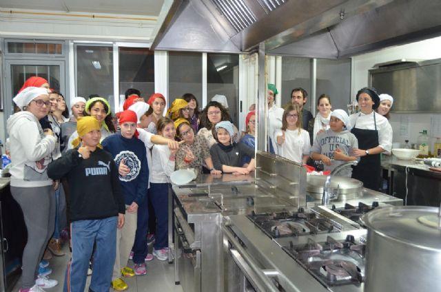 El proyecto Creciendo por dentro metió a 25 jóvenes en la cocina - 1, Foto 1