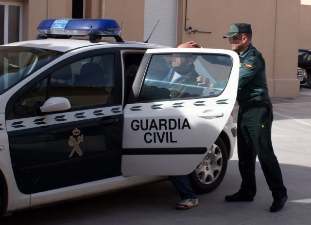 La Guardia Civil desmantela un clan familiar dedicado al robo en casas de campo de Albudeite - 2, Foto 2