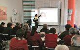 La Policía Local imparte charlas en los centros de la tercera edad para 'evitar timos y estafas' de las personas mayores