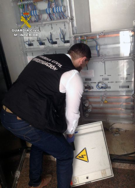 La Guardia Civil detiene al propietario de un edificio tras denunciar a sus inquilinos por usurpación de vivienda, Foto 2