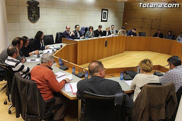 El Pleno aprueba otorgar a la totanera Bárbara Rey el título de Hija Predilecta de la Ciudad de Totana, Foto 1