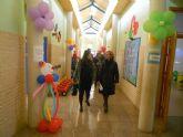 Los padres conocen las instalaciones del Centro Integral de la Vida Familiar y Laboral durante la jornada de puertas abiertas