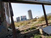 El Grupo Socialista exige la limpieza de varios vertederos en Puente Tocinos, plagados de basura y escombros