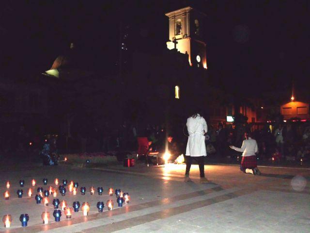 La plaza de España y la fachada de la iglesia apagaron sus luces sumándose a la Hora del Planeta - 1, Foto 1