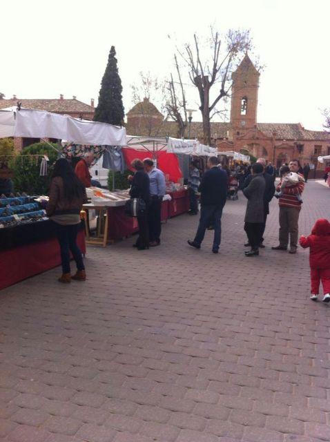 El mercado artesano de La Santa vuelve a atraer a las inmediaciones del santuario a decenas de visitantes, Foto 4