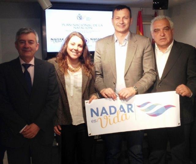 La Región promueve el Plan Nacional de Natación para mejorar la calidad en la enseñanza de este deporte - 1, Foto 1