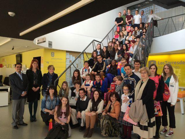 Un grupo de estudiantes europeos participa en un programa de intercambio escolar con el colegio Susarte torreño - 1, Foto 1
