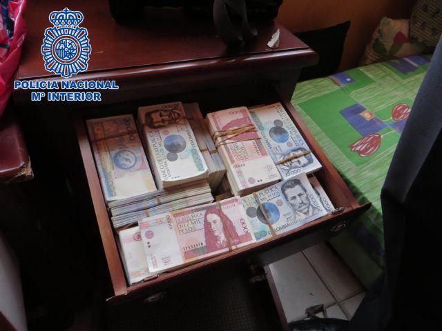 Desmantelado en Colombia un laboratorio de falsificación de euros, dólares USA y pesos colombianos - 5, Foto 5