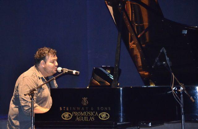 El compositor Ismael Moya presenta su canción dedicada a Águilas - 1, Foto 1