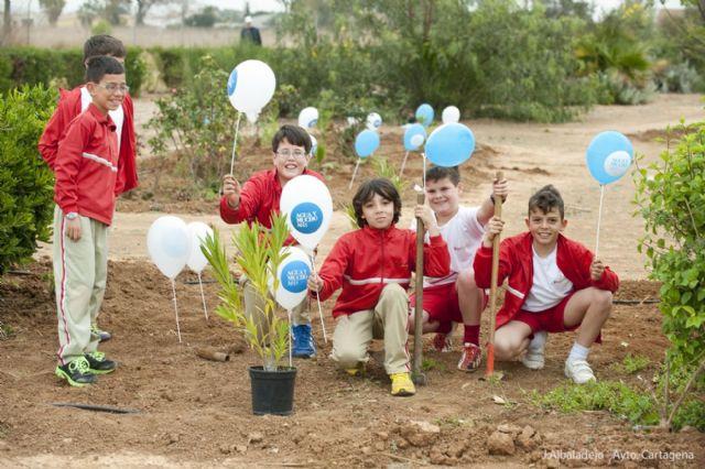 Los pequeños del Miralmonte reforestan el Parque de los Exploradores - 3, Foto 3