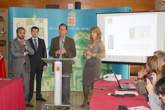 El Alcalde presenta un nuevo modelo de gestión municipal basado en el territorio - 3, Foto 3