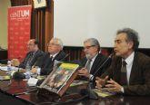 El consejero Pedro Antonio Sánchez destaca la contribución de la Universidad de Murcia al desarrollo regional en acto de revista del centenario