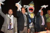 El Alcalde asiste a la presentación de la revista sardinera más 'madrugadora'
