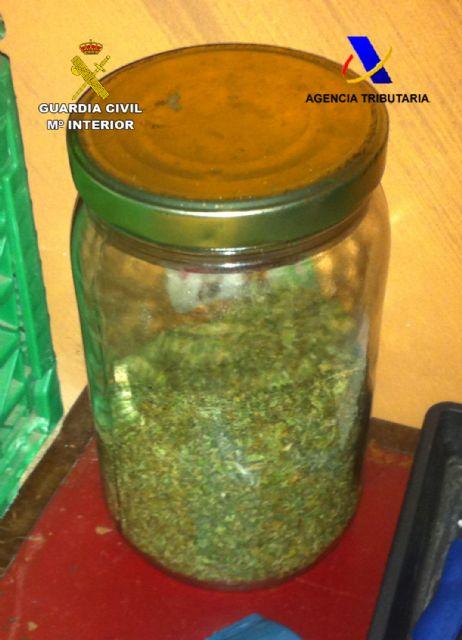 Desmantelada un sofisticado invernadero de marihuana en una vivienda de Mazarrón, Foto 2