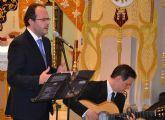 Curro Piñana canta a la Semana Santa pinatarense