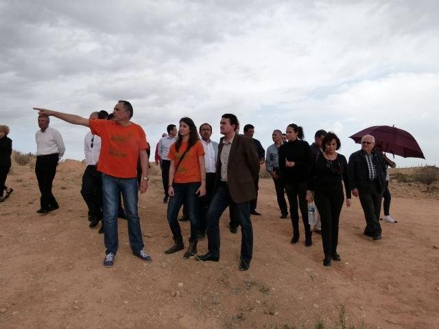 El PSOE sigue comprometido con los vecinos de Abanilla en su lucha por que se cumpla el mandato de la UE de cerrar el vertedero - 2, Foto 2