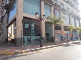 Los Alcázares estrena Oficina de Turismo en la Avenida 13 de octubre