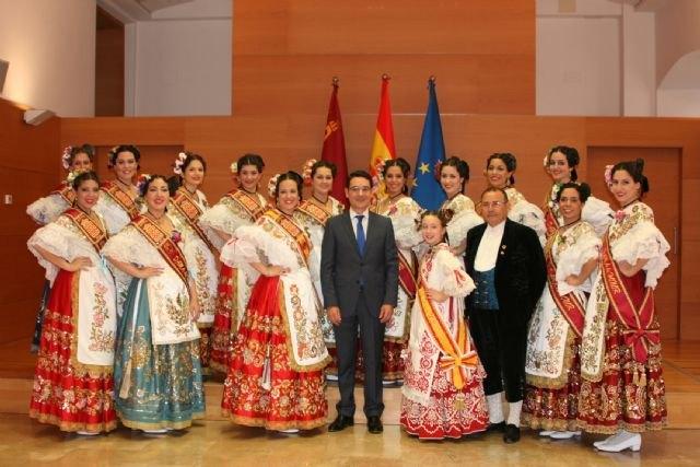 La Reina de la Huerta y sus damas de honor visitaron hoy el Palacio de San Esteban - 1, Foto 1