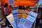 Totana celebra el Día Internacional del Libro sacando la Biblioteca Pública a la calle para el intercambio de ejemplares