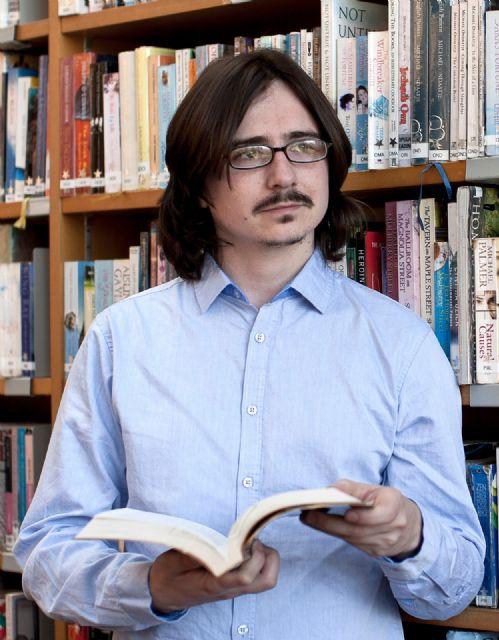 El escritor Claudio Cerdán presenta en Jumilla su última novela: Un mundo peor - 2, Foto 2