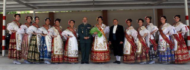 La Reina de la Huerta y sus damas de honor visitan las instalaciones de la Guardia Civil de Murcia. - 2, Foto 2