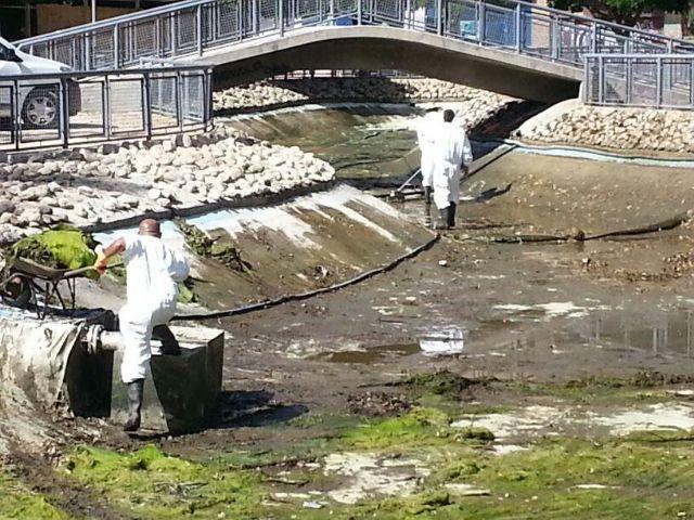 Medio Ambiente inicia el vaciado y limpieza de lagos - 1, Foto 1